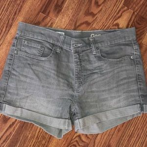 Gap grey shorts